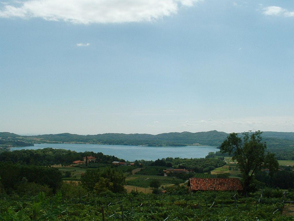 Panorama meer van Viverone