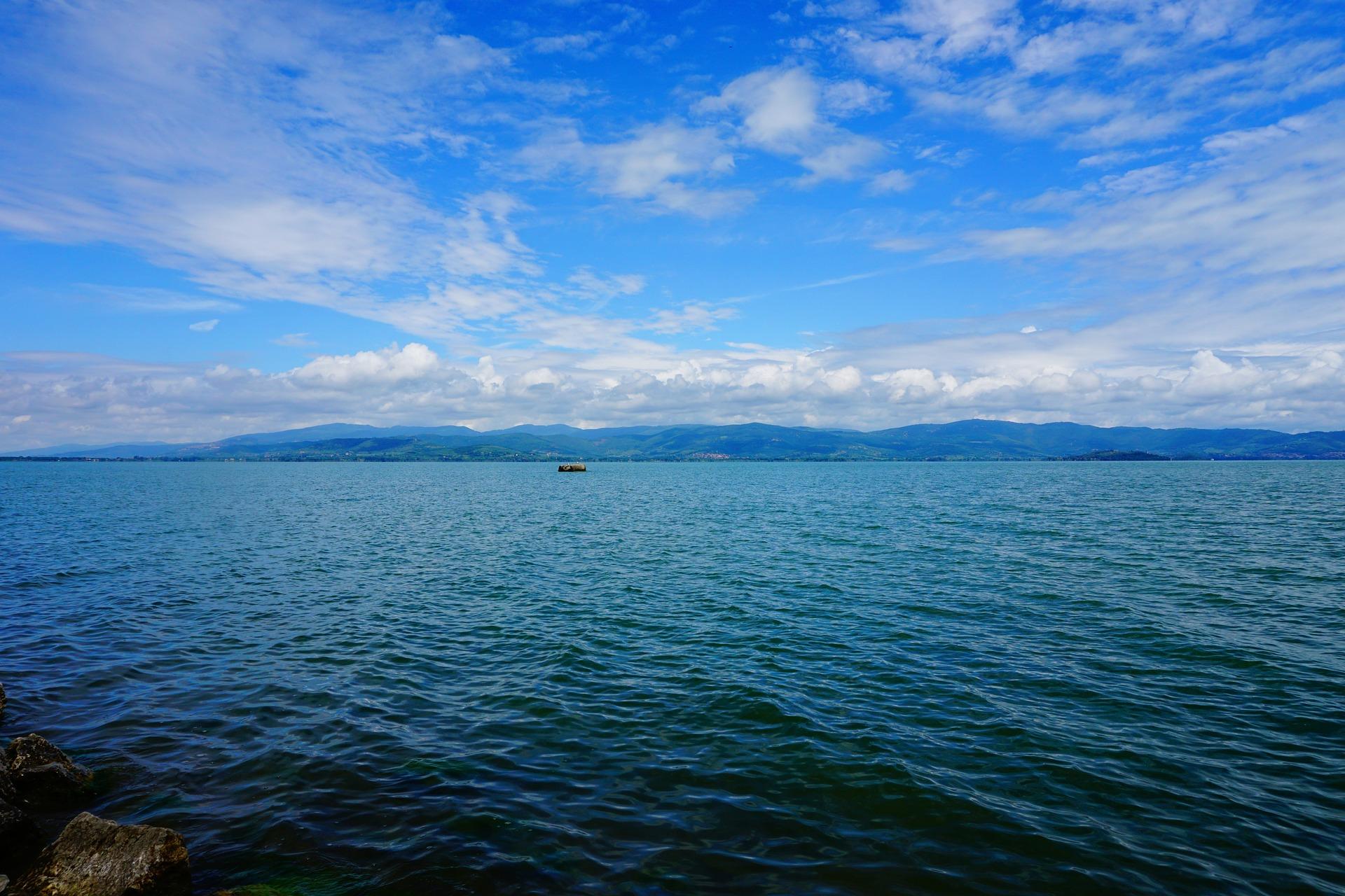 Waterzicht Lago Trasimenomeer