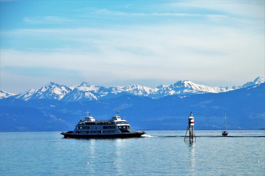 bodenmeer boot en bergen